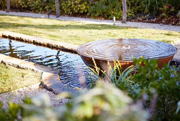 Gardens-at-Night_Landscape-Lighting_Underwater-Light_day Inspired Exteriors